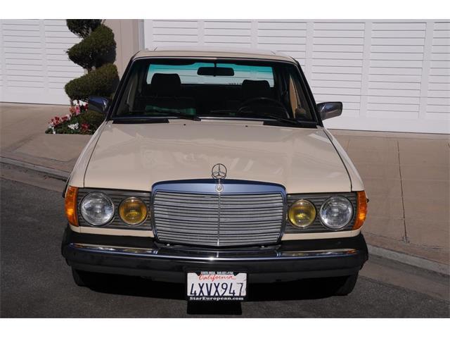 1983 Mercedes-Benz 240D   939039