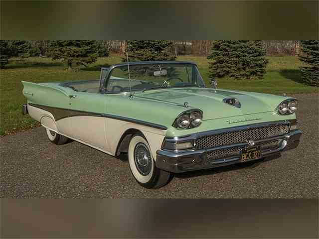 1958 Ford Skyliner Fairlaine 500 | 939543