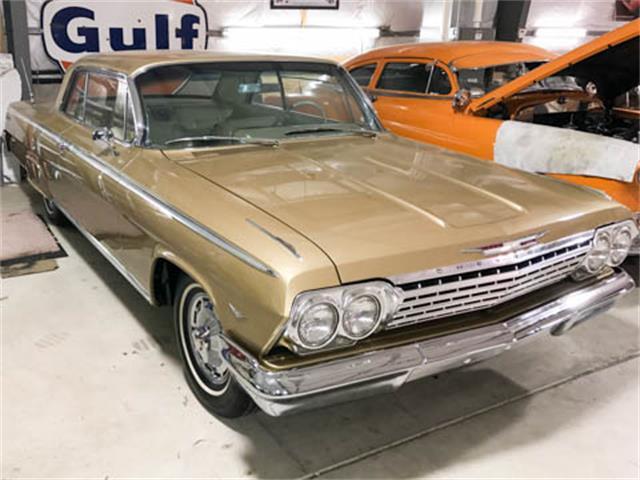 1962 Chevrolet Impala Gold Anniversary   939591