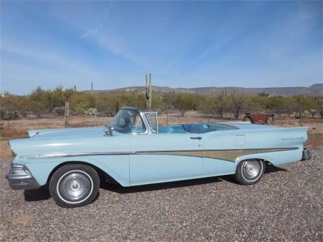 1958 Ford Skyliner | 939928