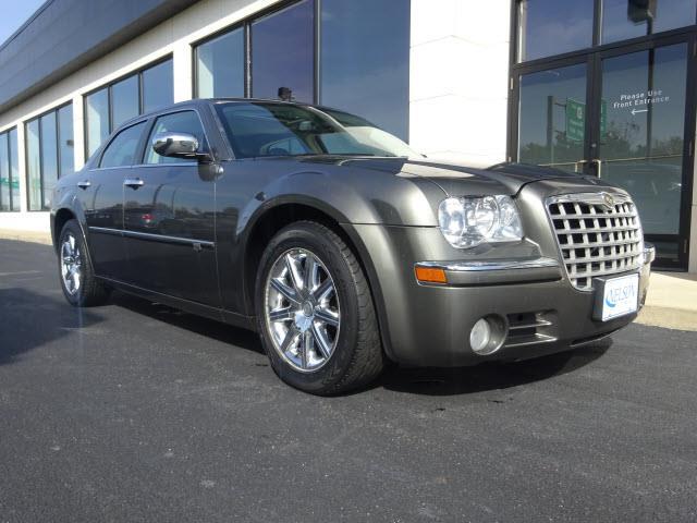 2008 Chrysler 300 | 939937