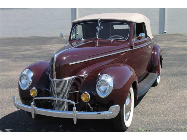 1940 Ford Deluxe | 941296