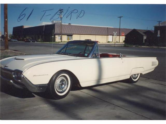 1961 Ford Thunderbird | 940172