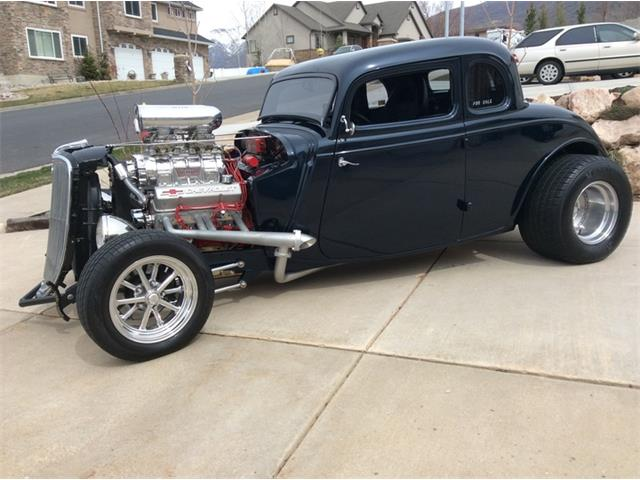 1933 Ford 5-Window Coupe