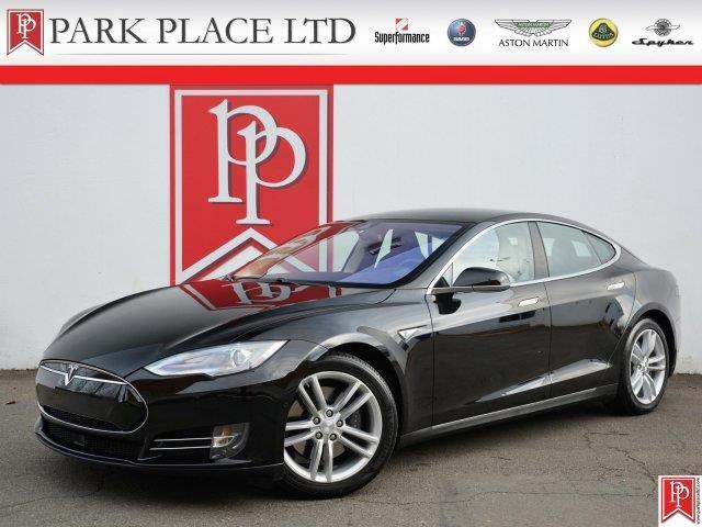 2015 Tesla Model S | 942146