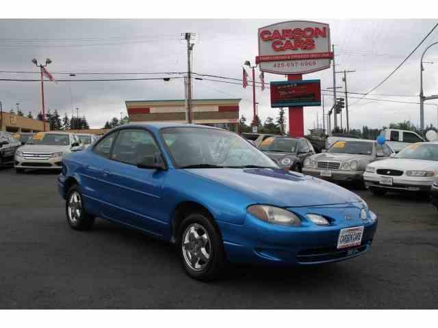 2000 Ford Escort | 942201