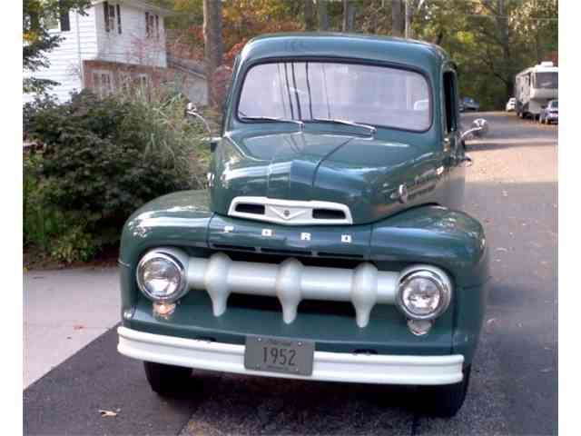 1952 Ford F3 | 940223