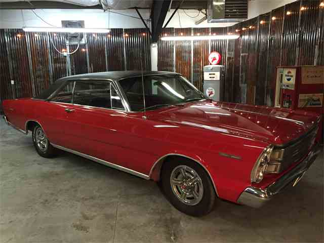 1966 Ford Galaxie 500 | 942742