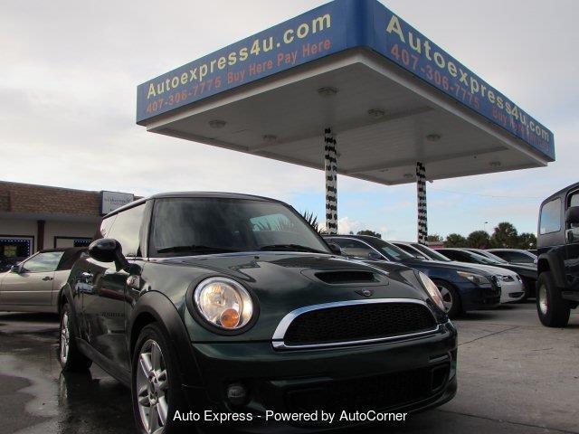 2011 MINI Cooper | 943144