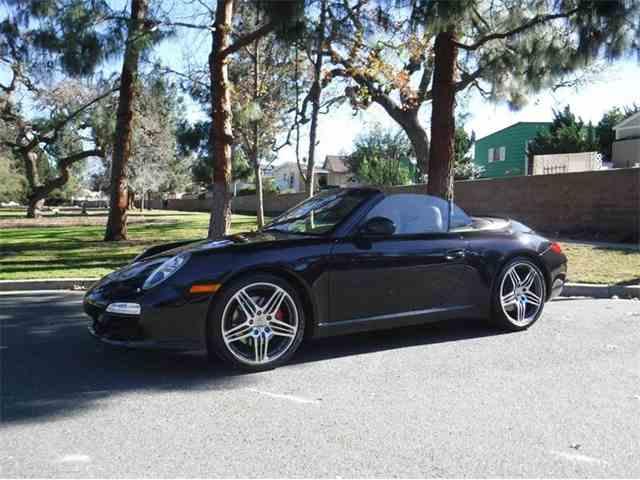 2011 Porsche 911 | 943389