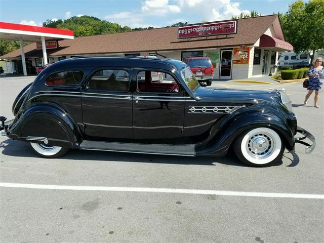 1935 Chrysler Airflow | 943480