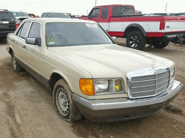 1982 Mercedes-Benz 300   943497