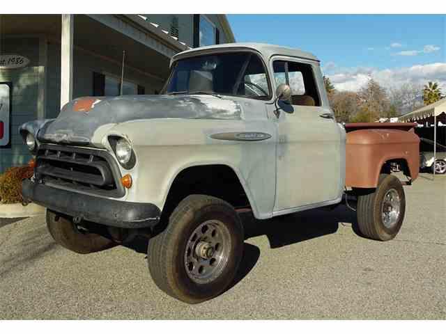 1957 Chevrolet 3600   943674