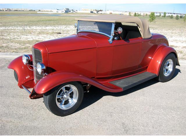 1932 Ford Custom | 943712