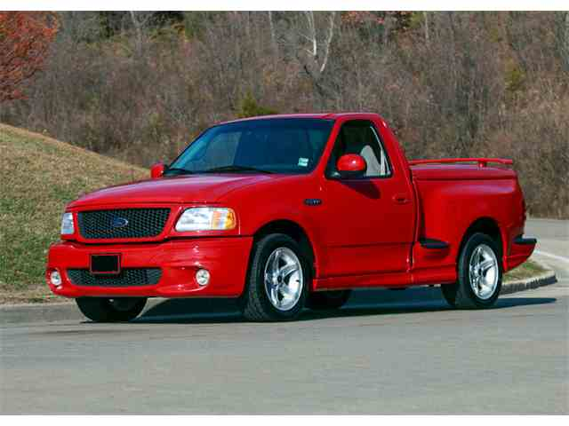 2000 Ford Lightning | 943715