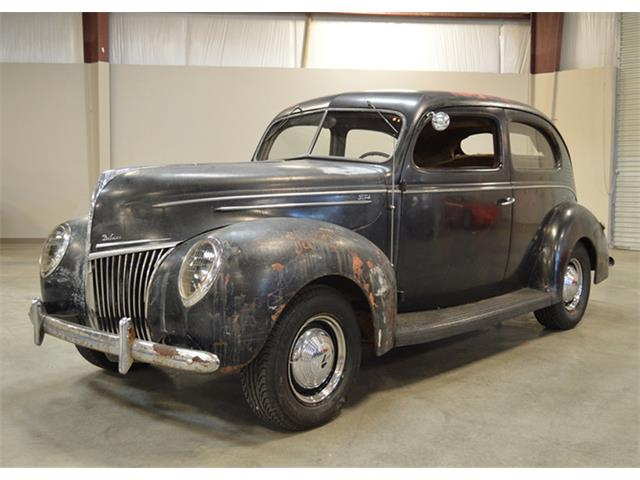 1939 Ford Deluxe | 943723