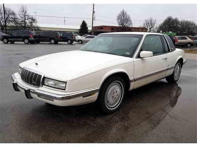 1993 Buick Riviera   943928