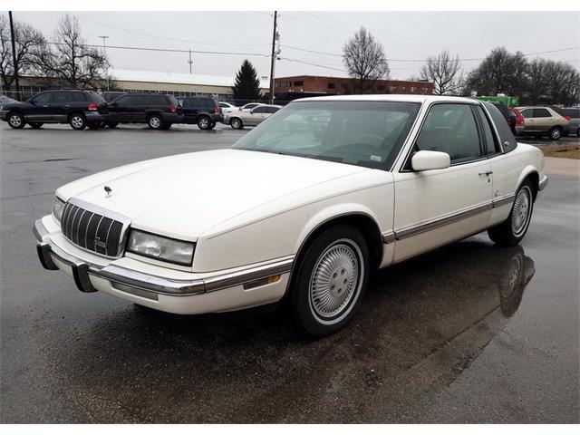 1993 Buick Riviera | 943928