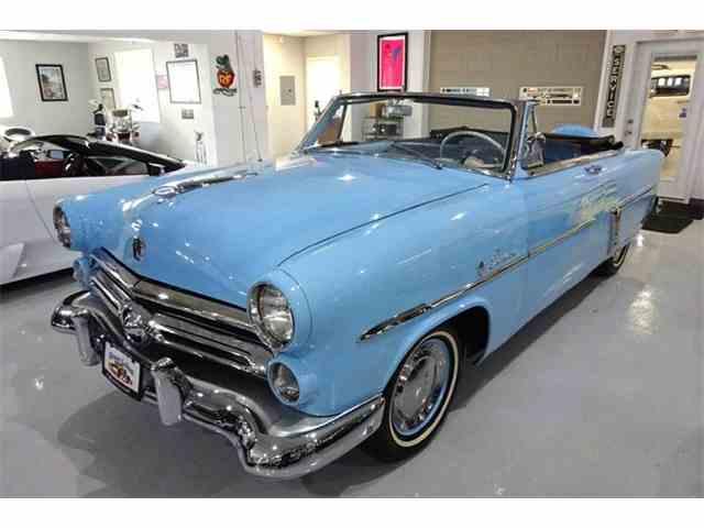 1952 Ford Crestline | 943988