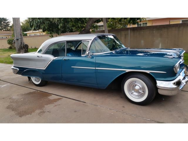 1957 Oldsmobile Super 88 | 944207