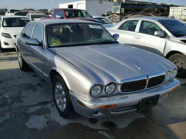 2000 Jaguar XJ8 | 944391