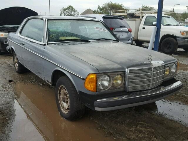 1981 MERCEDES-BENZ 200 - 290 | 944657