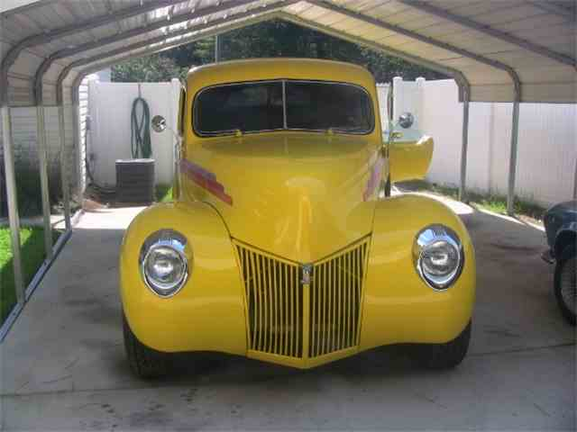 1940 Ford Deluxe   944926