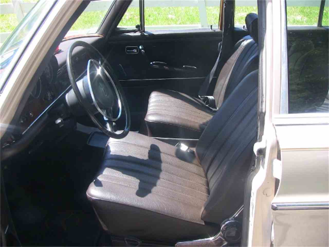 Large Picture of '71 Mercedes-Benz 280SE located in Cornelius North Carolina Offered by Classic Lady Motors - K94M