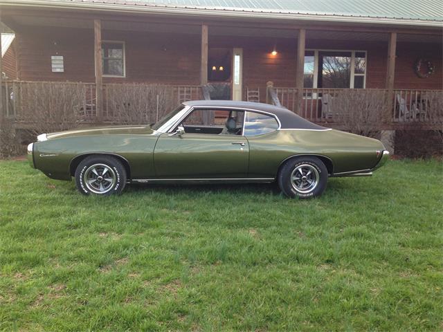 1969 Pontiac Custom | 945035