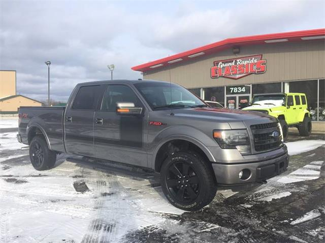 2013 Ford F150 | 945074