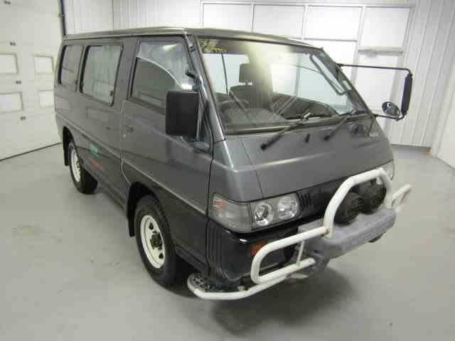1991 Mitsubishi Delica | 945111