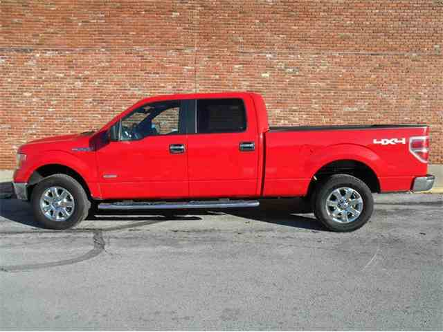 2014 Ford F150 | 945244
