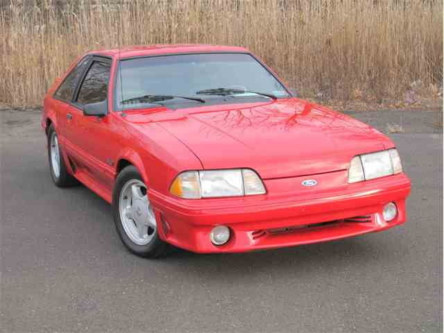 1993 Ford Mustang GT | 945410