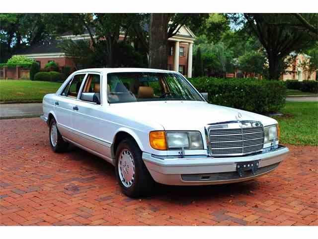 1991 Mercedes-Benz 300 | 945422
