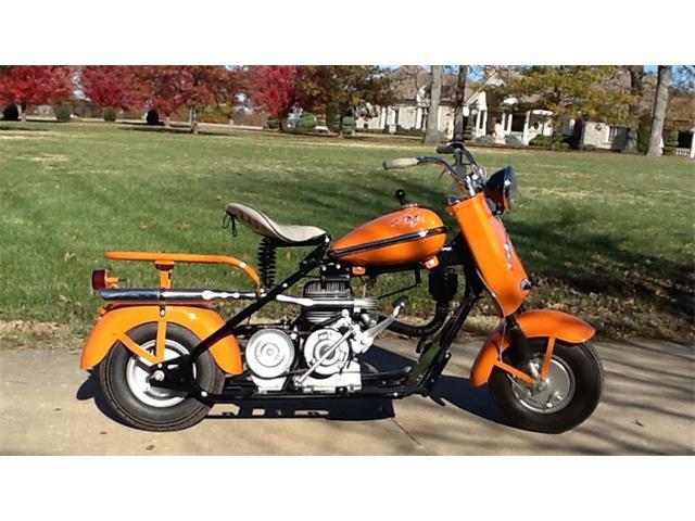 1957 Cushman Motorcycle | 945443