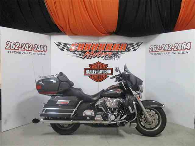 2006 Harley-Davidson® FLHTCUI - Ultra Classic® Electra Glide® | 945454