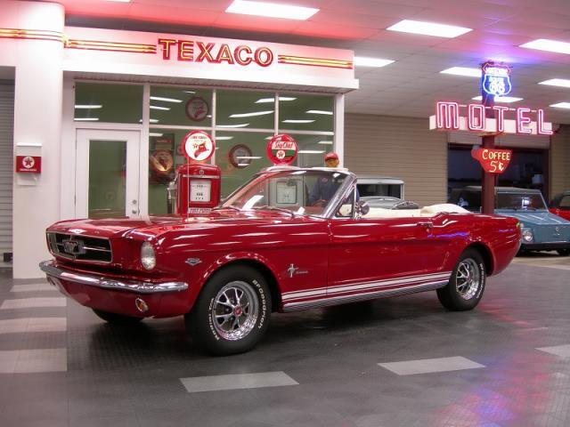 1965 Ford Mustang | 945630