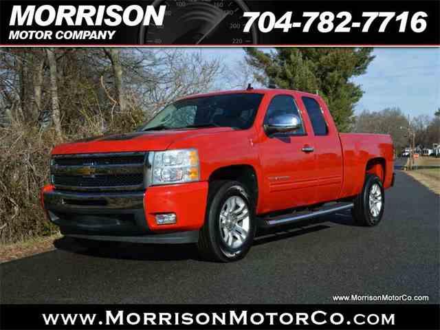 2011 Chevrolet Silverado | 945713