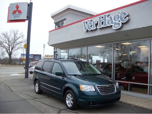 2009 Chrysler Town & Country | 940577