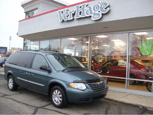 2006 Chrysler Town & Country | 940578