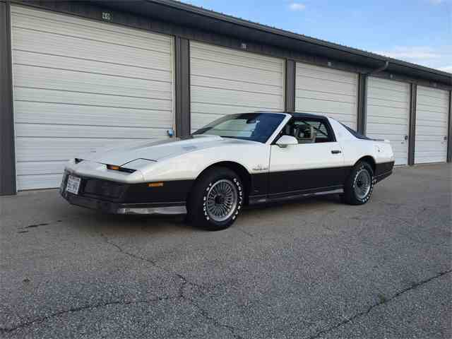 1983 Pontiac Firebird Trans Am | 945942