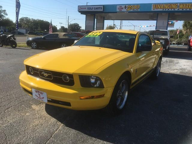 2006 Ford Mustang | 946094