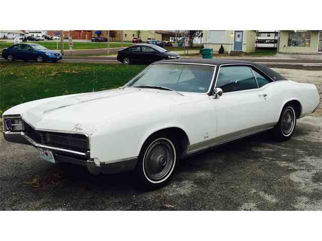 1967 Buick Riviera | 946134