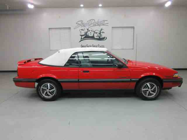 1990 Pontiac Sunbird | 946290