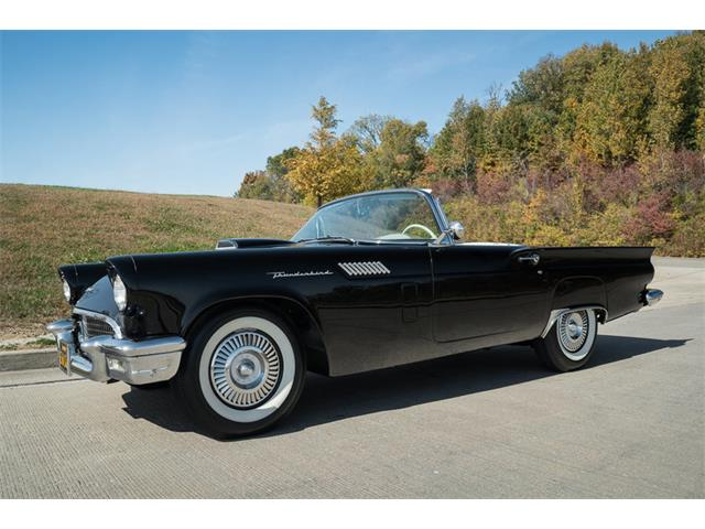 1957 Ford Thunderbird | 946313
