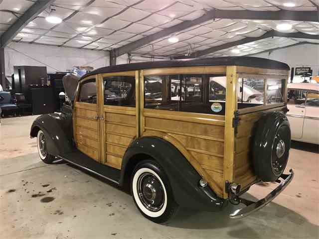 1937 Ford Woody Wagon | 946339
