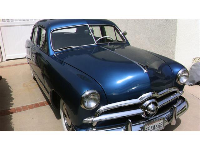 1949 Ford Custom Deluxe | 946689