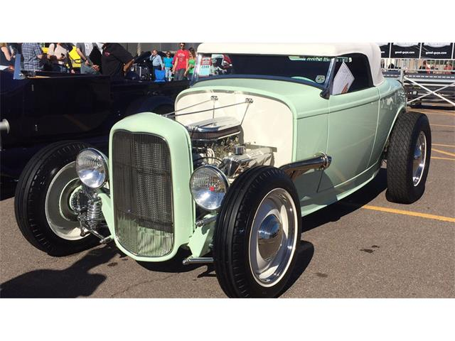 1932 Ford Roadster | 946702