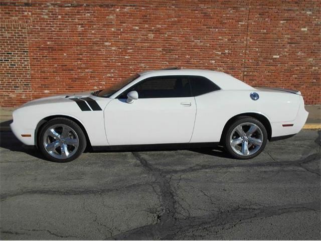 2011 Dodge Challenger | 946780