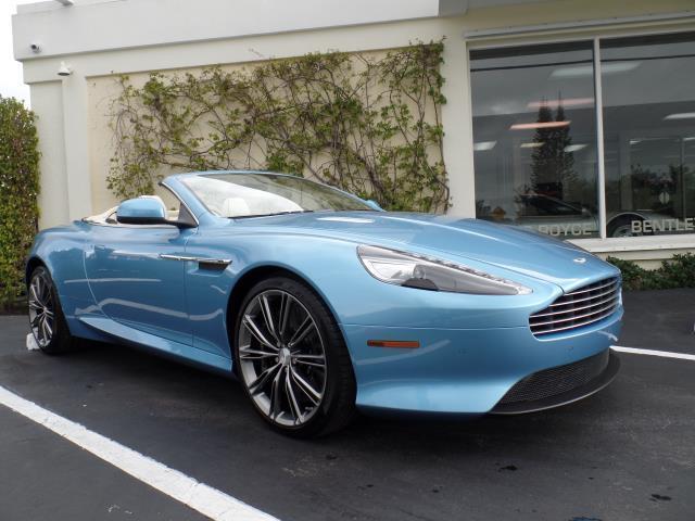 2015 Aston Martin DB9 | 946799